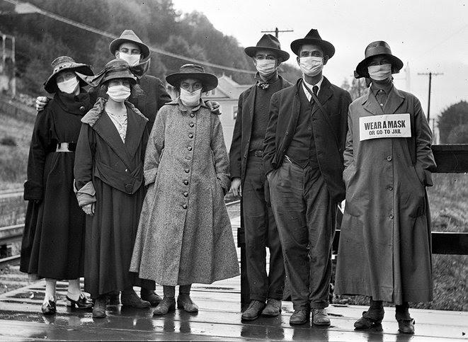 1.    Mill Valley, Californie, 1918 : Sur la pancarte portée par la femme à droite : « Portez un masque ou vous irez en prison ».